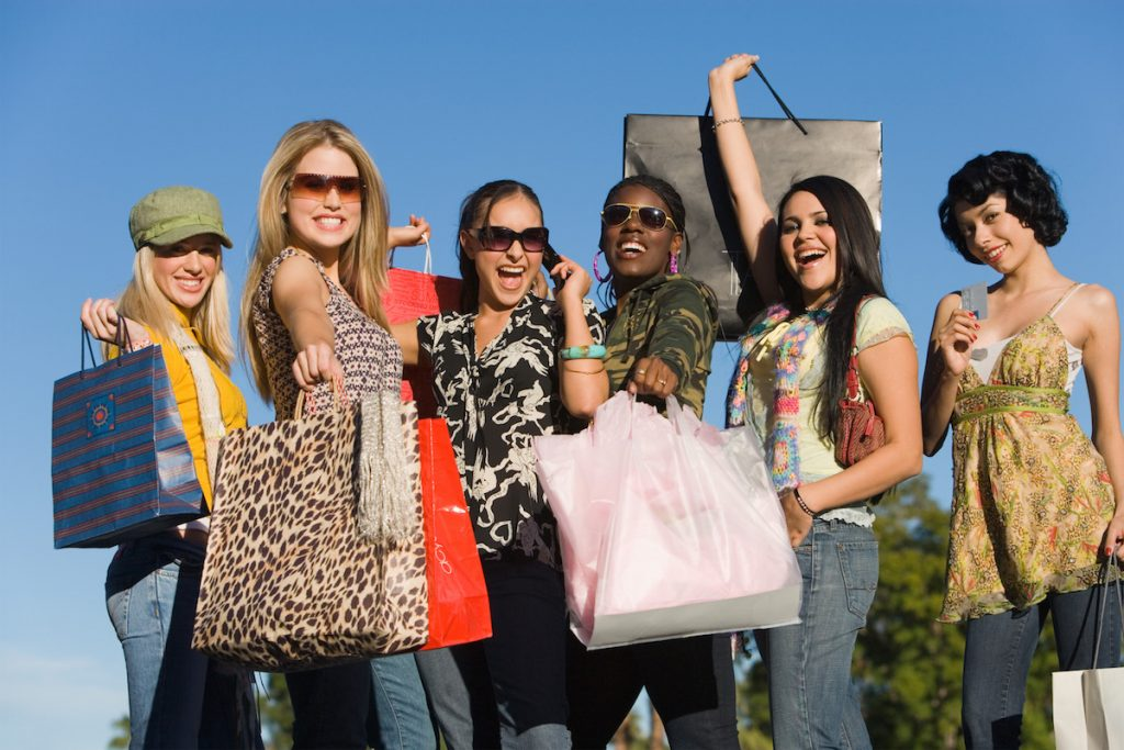 Shop with your friends - feel and look good